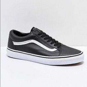 NWOT Vans Old Skool Black & White Leather Shoes